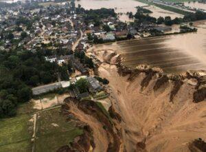 Nằm mơ thấy lũ lụt là điềm báo trước gì? Đánh con gì đánh số mấy